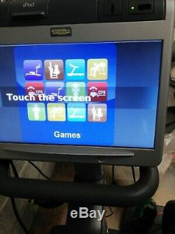 TECHNOGYM COMMERCIAL CROSS TRAINER SYNCHRO 700 lcd touchscreen SCREEN