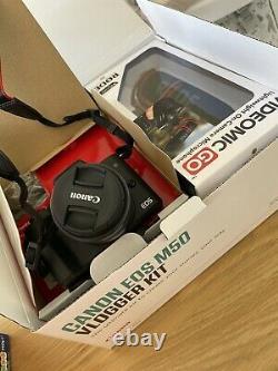 Canon Eos M50 LCD 3 Pouces. Wifi 4k Construit Dans Flash+ Vlogger Kit Bundle. Utilisé Sur