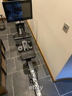 Nordictrack Rw900 Rower Avec Écran Tactile LCD Hd 22'', Pliable Pour Un Stockage Facile